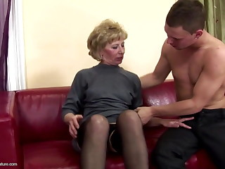 Hairy mature jocular mater bore fucked and pissed on