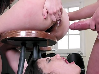 Perfect anal scenes during threesome be useful to Taisha and Penelope Cum
