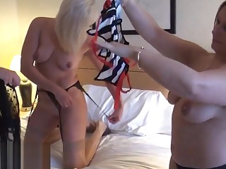 Mature fairy voyeur girls fingering with an increment of pussy pleasuring