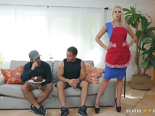 MILF housewife Vanessa Cage loves a guestimated face and doggy fuck