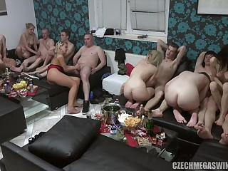 Swingers League together Give Booty Column