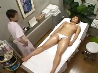 Big breasted Get one's bearings hottie with a magnificent ass enjoys