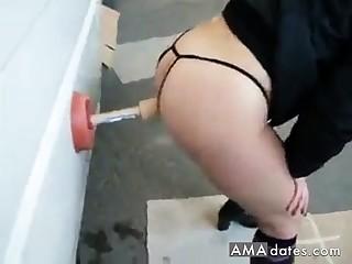 milf ventosa nel parcheggio