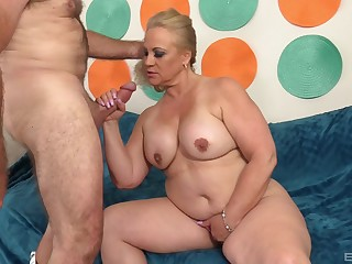 Chubby blonde wife Stunning Summer spreads legs be expeditious for a hard fuck