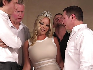 Rachele Richey is chum around with annoy real nabob for gangbang and double penetration