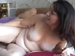 Gorgeous matured amateur loves to fuck