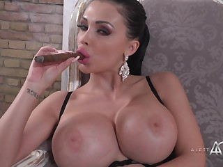 Big-Breasted Darkhaired Porn Notability Aletta Ocean Hot Solo