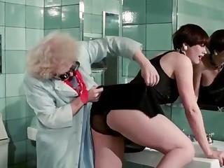 Pretty Peaches - Enema Scene, with Desiree Cousteau