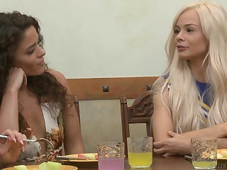 Facesitting and rough sex are fascinating with lesbian Victoria Voxxx