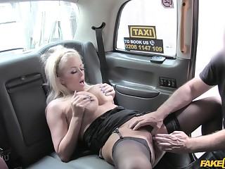 Steaming-hot cougar Rebecca Jane Smyth gets peevish in cab