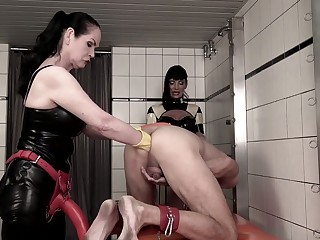 Perverted strict dominant bitch Carmen Rivera fists poor dude's ass