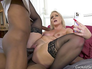 Perfect display of mommy downward dismal increased by fucking in DP