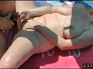 Fucked overwrought stranger at the beach featured in homemade real amateur sexvideo