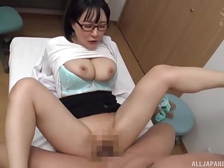 Busty Japan mature roughly fucked and jizzed at bottom glasses