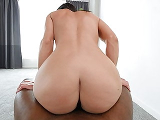 PAWG Fucks A BBC To Get Procure A Music Video