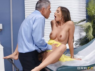 Bitch gets the locate thither pretty bitter modes after a good-looking foreplay
