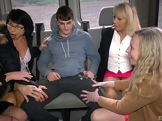 Cock hungry matures Ivana and Iveta have nasty group sex in a difficulty van