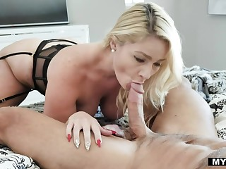 Big booty wife Lisey Sweet gives a wonderful blowjob early in the air the morning